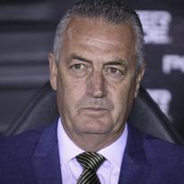 Gustavo Alfaro, football coach